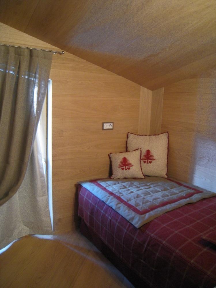 Arredi zona notte lecco progettazione e vendita mobili for Arredamento zona notte