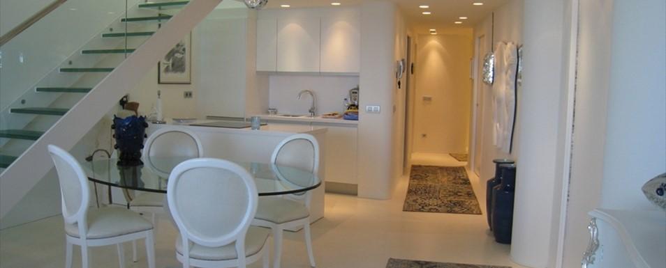 Progettazione e realizzazione arredo in attico centro milano for Arredamento svedese